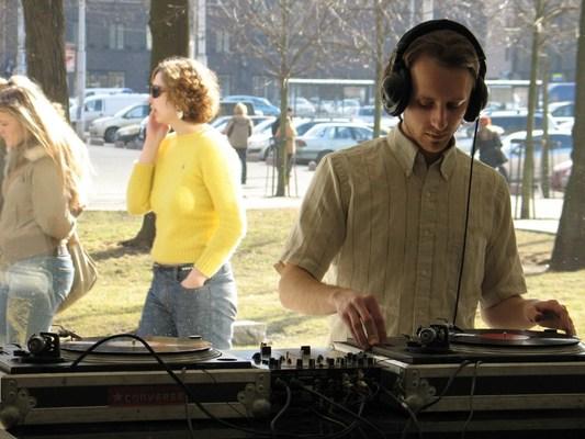 Standard content jcg march 2005 647